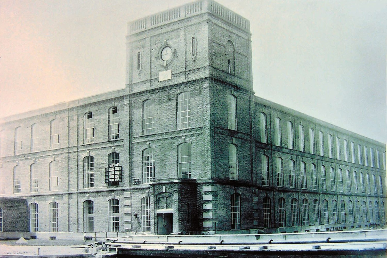 Historische Ansicht Backsteingebäude Alte Spinnerei – Events an der Alten Spinnerei